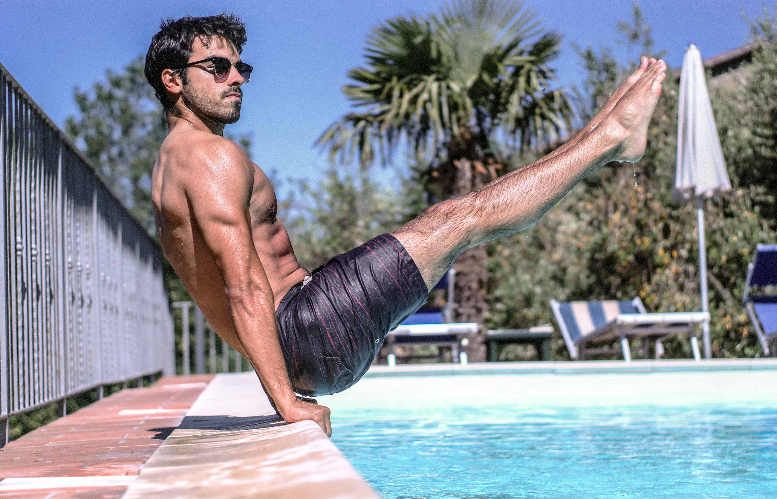 The Best Core Exercises Like The L-Sit hit the abs and the obliques